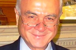 Dr. Kenan Sahin